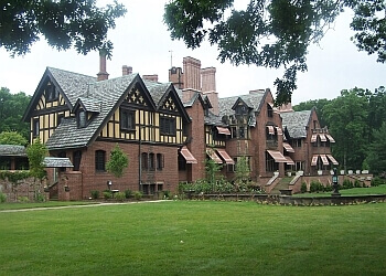Akron places to see Stan Hywet Hall & Gardens
