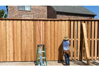 Dallas fencing contractor Star Gates & Fences
