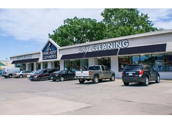 3 Best Dry Cleaners In Peoria Il Threebestrated