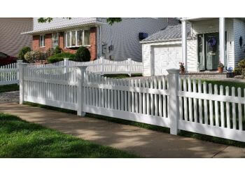 New York fencing contractor Staten Island Fence & Landscaping
