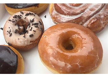 Knoxville donut shop Status Dough