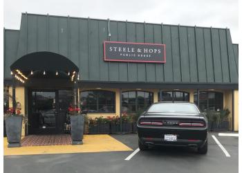Santa Rosa sports bar Steele & Hops Public House