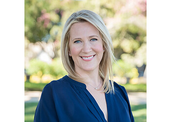 Los Angeles real estate agent Stephanie Younger - STEPHANIE YOUNGER GROUP