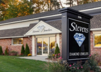Springfield jewelry Stevens Diamond Jewelers