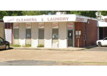 Shreveport dry cleaner Steve's Cleaners