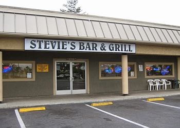 San Jose sports bar Stevie's Bar & Grill