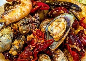 Downey seafood restaurant Stinkin Crawfish