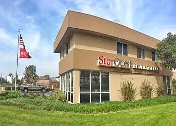Oxnard storage unit StorQuest Self Storage