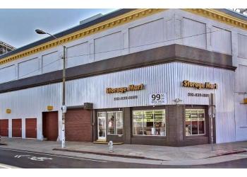 Oakland storage unit StorageMart