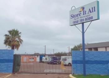 Laredo storage unit Store It All Self Storage - Townlake