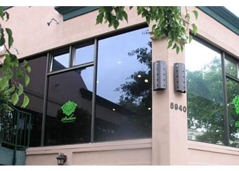 Oakland insurance agent Strahan Insurance Services - Susan Bernosky