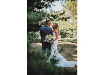 Des Moines wedding planner Stuart Alexander Productions
