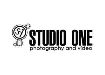 Naperville wedding photographer STUDIO ONE PHOTOGRAPHY AND VIDEO