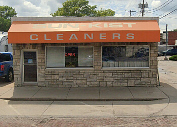 Lincoln dry cleaner Sun-Kist Dry Cleaners