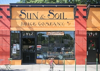 Sacramento juice bar Sun & Soil Juice Company