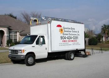 Jacksonville gutter cleaner Sunshine State Seamless Gutters, Inc.
