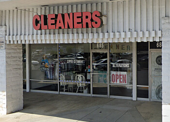 Pomona dry cleaner Super Cleaners