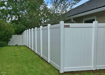 Orlando fencing contractor Superior Fence and Rail. Inc