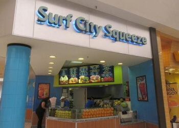 Palmdale juice bar Surf City Squeeze