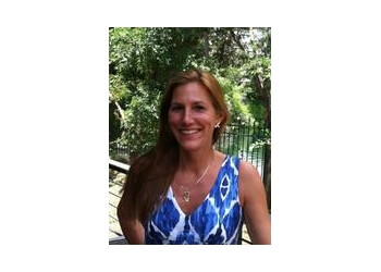 Columbia therapist SUSAN E HARDWICKE, LMSW, LCSW, CHT