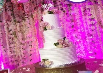 Garland cake Sweet Queen Desserts