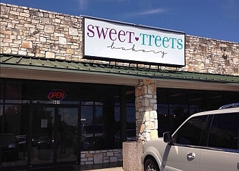 Austin cake Sweet Treets Bakery