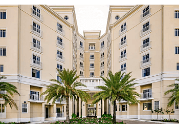 Fort Lauderdale assisted living facility Symphony at the Waterways
