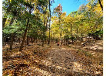 Hartford hiking trail TALCOTT MOUNTAIN STATE PARK