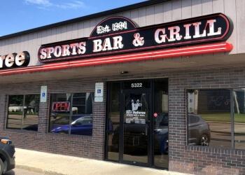 Sioux Falls sports bar T C's Referee Sports Bar & Grill