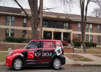 Wichita real estate agent THE ROY GROUP