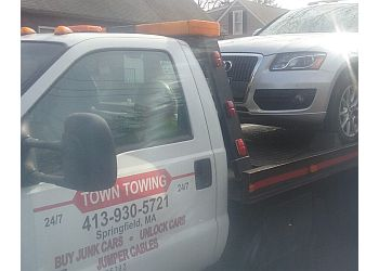 Springfield towing company TOWN TOWING
