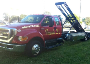 Sterling Heights towing company TRIPLE D'S TOWING