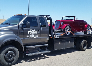 Peoria towing company T & S Towing