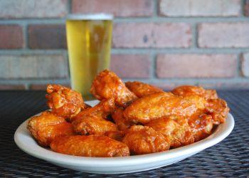 Peoria sports bar Tailgaters & IL Primo