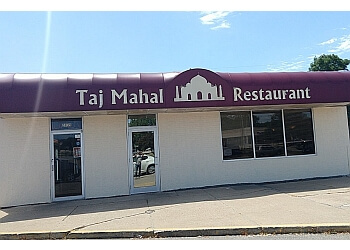 Cedar Rapids indian restaurant Taj Mahal Restaurant