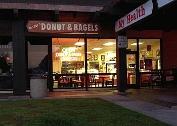 Pomona bagel shop Tastees Donut & Bagel