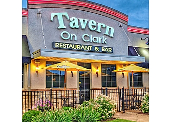 Rockford steak house Tavern On Clark