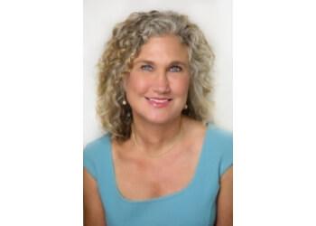 Bellevue plastic surgeon Teri Burnett, MD
