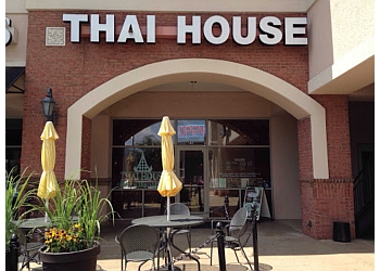 Charlotte thai restaurant Thai House- University