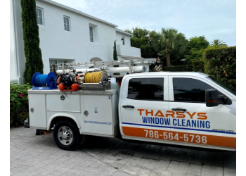 Hialeah window cleaner Tharsys Window Cleaning LLC
