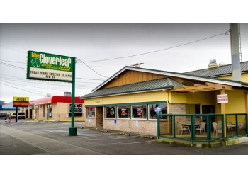 Tacoma pizza place The Cloverleaf