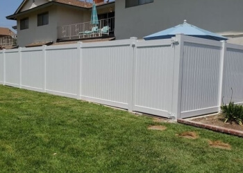 Huntington Beach fencing contractor The Construction Guyz Inc.