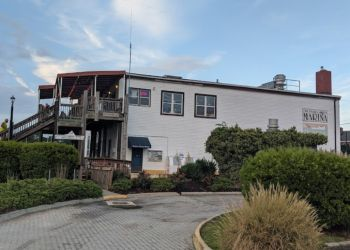 Hampton seafood restaurant The Deadrise
