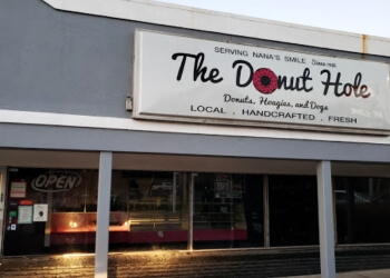 Huntsville donut shop The Donut Hole