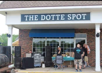 Kansas City sports bar The Dotte Spot