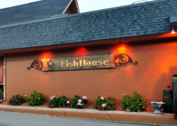 Peoria seafood restaurant The Fish House