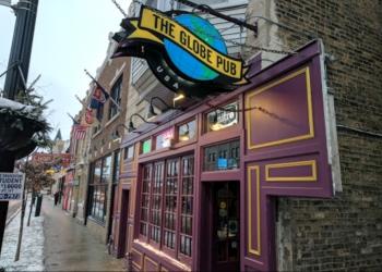 Chicago sports bar The Globe Pub