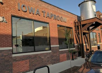 Des Moines american cuisine The Iowa Taproom