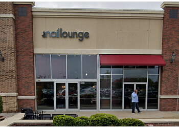 Kansas City nail salon The Nail Lounge