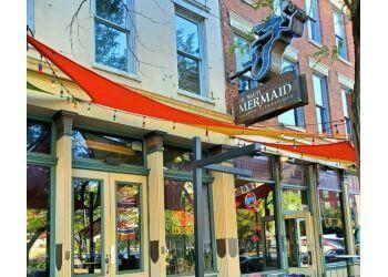 Cleveland seafood restaurant The Nauti Mermaid